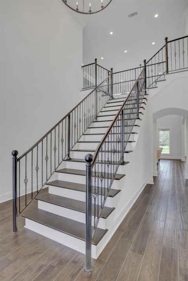 Custom Home Builder - Madison, Ms Stair Case