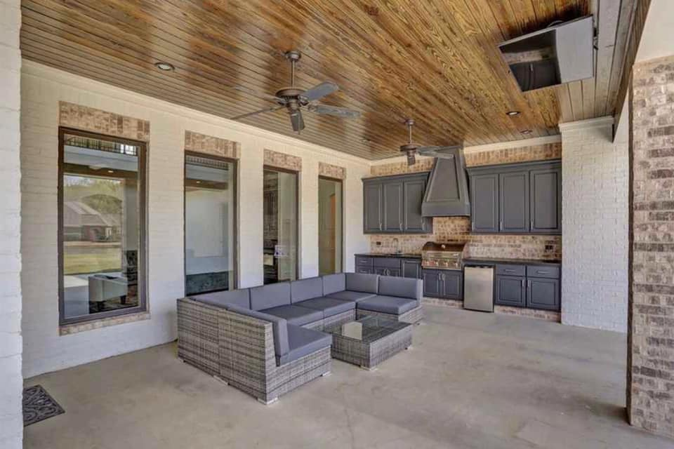 Madison Custom Home Builder Outdoor Kitchen